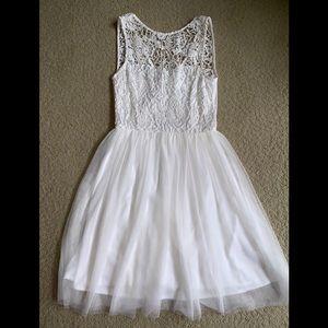GORGEOUS white dress!!